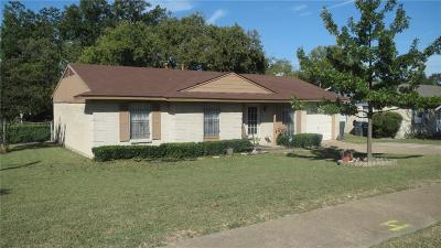 Dallas Single Family Home For Sale: 7653 Ryanridge Drive