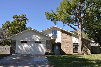 Arlington Single Family Home For Sale: 5616 Kindling Court