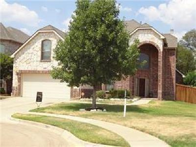 Euless Single Family Home For Sale: 213 Edinborough Drive