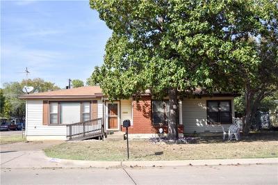 Hurst Single Family Home For Sale: 501 E Ellen Avenue
