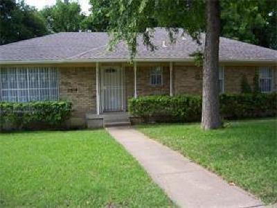 Dallas Single Family Home For Sale: 2918 Kingcole Drive
