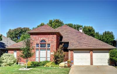 Arlington Single Family Home For Sale: 2239 Merritt Way