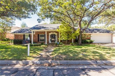 Arlington Single Family Home For Sale: 2212 Canyonwood Drive