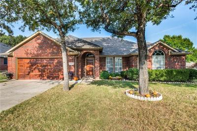Lewisville Single Family Home For Sale: 1359 Clear Creek Drive