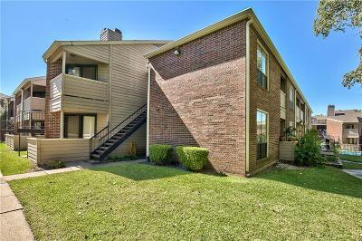 Dallas Condo For Sale: 8545 Midpark Road #30