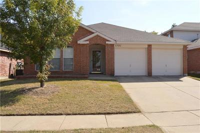 Saginaw Single Family Home For Sale: 1101 Iron Horse Drive