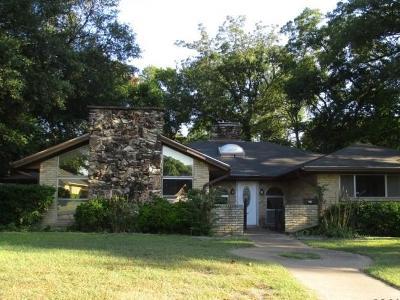 Desoto Single Family Home For Sale: 215 Hanna Avenue