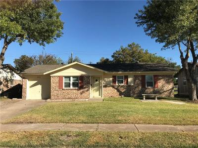 Dallas County Single Family Home For Sale: 905 Rosewood Hills Drive