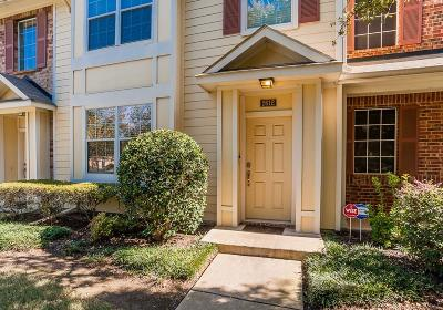 Bedford Townhouse For Sale: 2612 Durango Ridge Drive