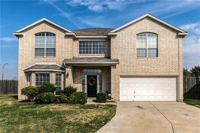 Tarrant County Single Family Home For Sale: 103 Ithaca Court
