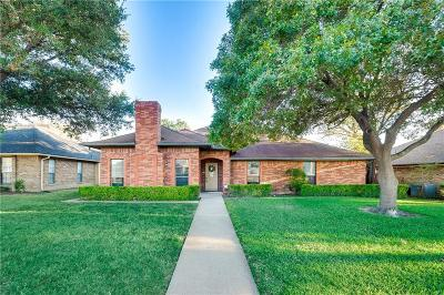 Dallas County Single Family Home For Sale: 4912 Hazelhurst Lane