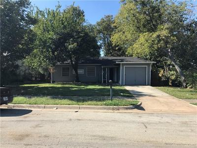 Arlington Single Family Home For Sale: 1602 Dale Drive