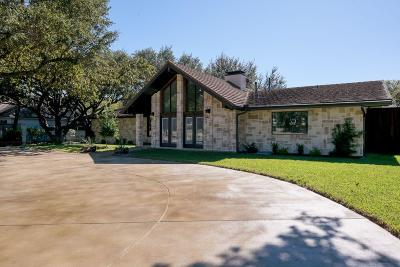 Dallas Single Family Home For Sale: 6958 Royal Lane