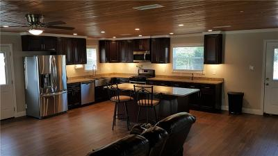 Euless Single Family Home For Sale: 203 Skyway Drive