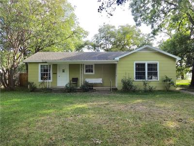 Haltom City Single Family Home For Sale: 5912 Posey Lane