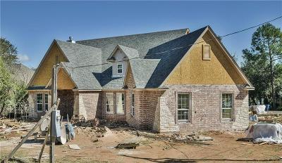 Granbury Single Family Home For Sale: 1400 E Tioga Court