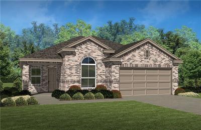 Saginaw Single Family Home For Sale: 153 Creek Terrace Drive
