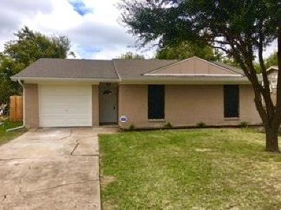 Single Family Home For Sale: 324 Cedar Street
