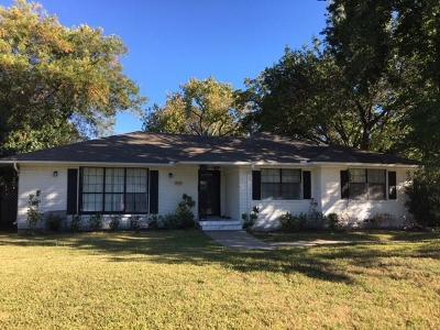 Dallas Single Family Home For Sale: 3475 Royal Lane