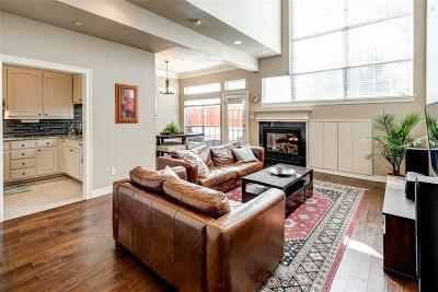 Addison Townhouse For Sale: 4114 Oberlin Way