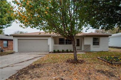 White Settlement Single Family Home For Sale: 813 Sandell Drive