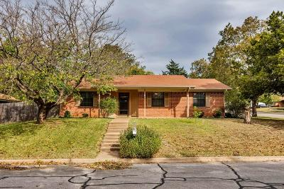 Parker County Single Family Home For Sale: 1102 Julie Street