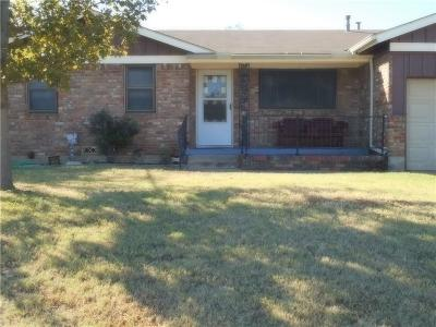 Bedford, Euless, Hurst Single Family Home For Sale: 1105 Simpson Drive