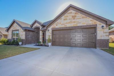 Stephenville Single Family Home For Sale: 852 Mimosa Court