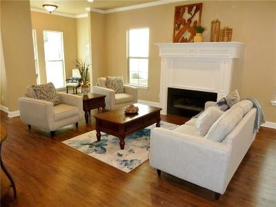 Rockwall Single Family Home For Sale: 381 Jordan Farm Circle