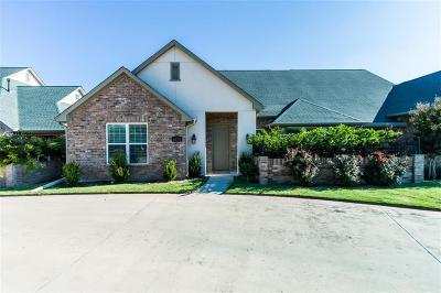 Benbrook Townhouse Active Option Contract: 6628 Shady Glen Way