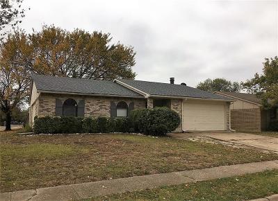North Richland Hills Single Family Home For Sale: 6928 Glenhurst Drive