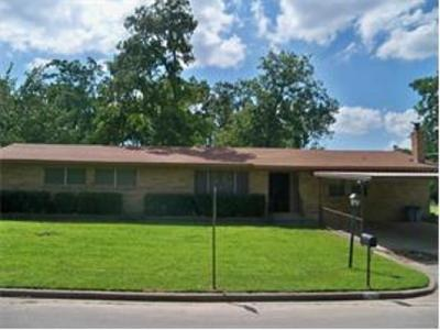 Canton Single Family Home For Sale: 1701 Lazy U Drive