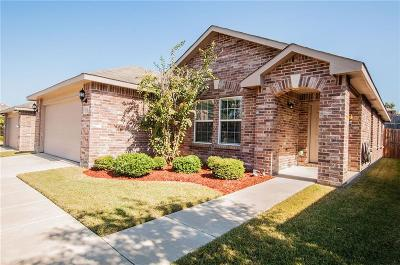 Aubrey Single Family Home For Sale: 716 Becard Drive