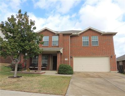 Fort Worth Single Family Home For Sale: 9912 Peregrine Trail