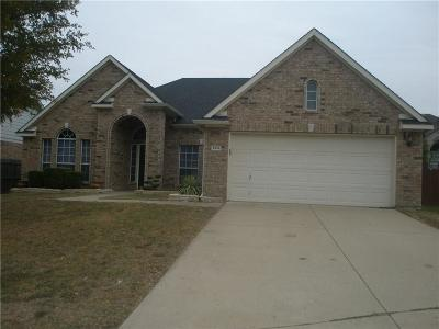 Grand Prairie Single Family Home Active Option Contract: 4848 Crown Drive