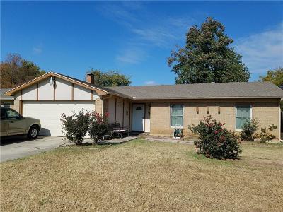 Haltom City Single Family Home For Sale: 5637 Brent Drive