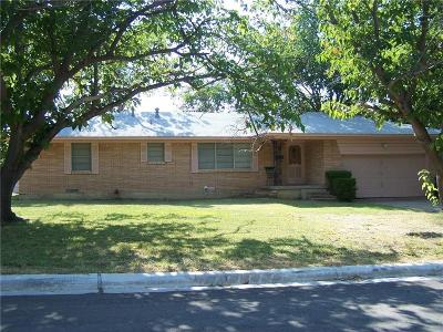 Lewisville Single Family Home Active Option Contract: 435 Harn Drive
