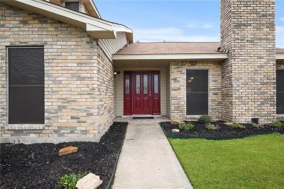 Single Family Home For Sale: 10526 Black Walnut Court