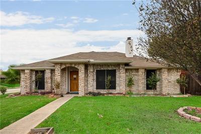 Rowlett Single Family Home For Sale: 8201 Meadowlark Lane