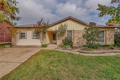Arlington Single Family Home For Sale: 703 W Embercrest Drive
