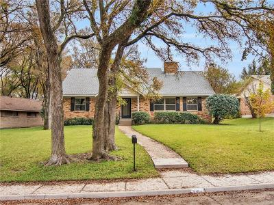 Single Family Home For Sale: 2104 Briarcreek Lane