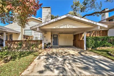 Carrollton Townhouse Active Option Contract: 2637 Via Catalina