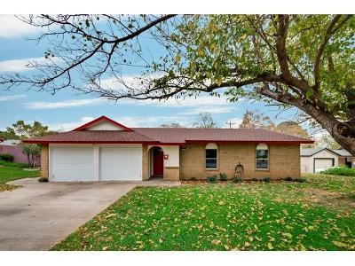 Grapevine Single Family Home For Sale: 804 N Lucas Drive