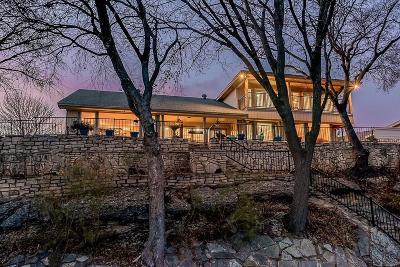 Granbury Single Family Home For Sale: 647 S Rough Creek Court