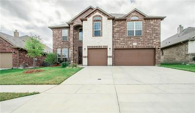 Fort Worth Single Family Home For Sale: 2120 Rosalinda Pass