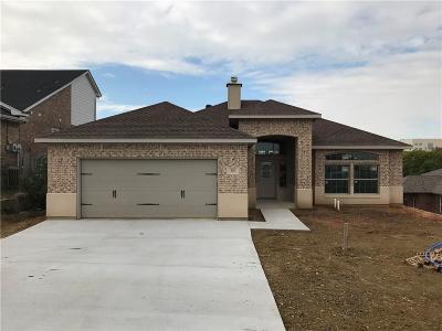 Grand Prairie Single Family Home For Sale: 529 NE 5th Street
