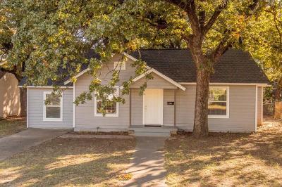 Haltom City Single Family Home For Sale: 1908 Oakwood Street