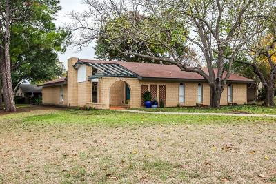 Lewisville Single Family Home For Sale: 1487 Dogwood Trail