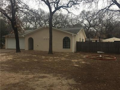 Azle Single Family Home For Sale: 7210 Allyn Drive