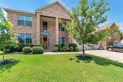 Grand Prairie Single Family Home For Sale: 2363 Comanche Trail